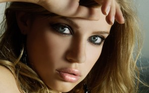 Xenia Tchoumitcheva eyes wallpaper 1080p