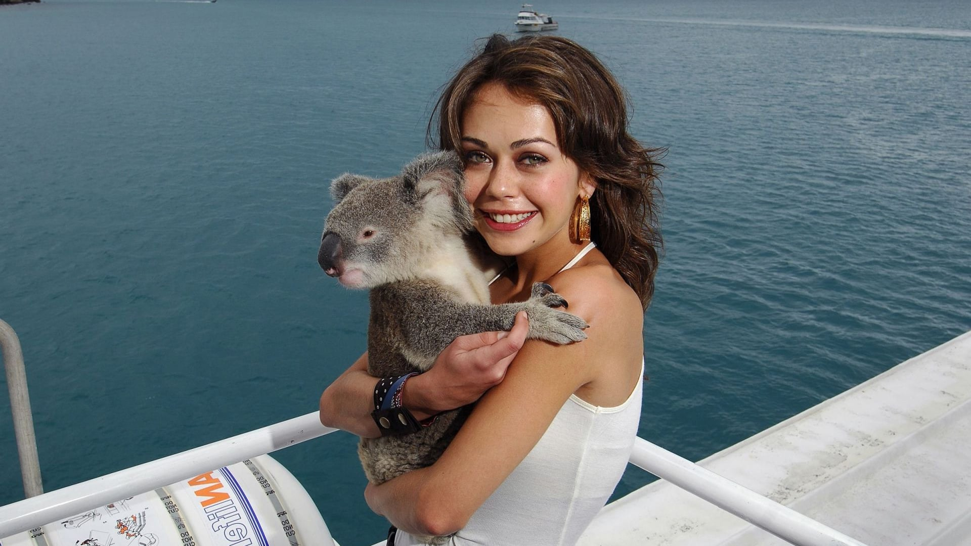 Alexis Dziena with coala bear wallpaper 1080p