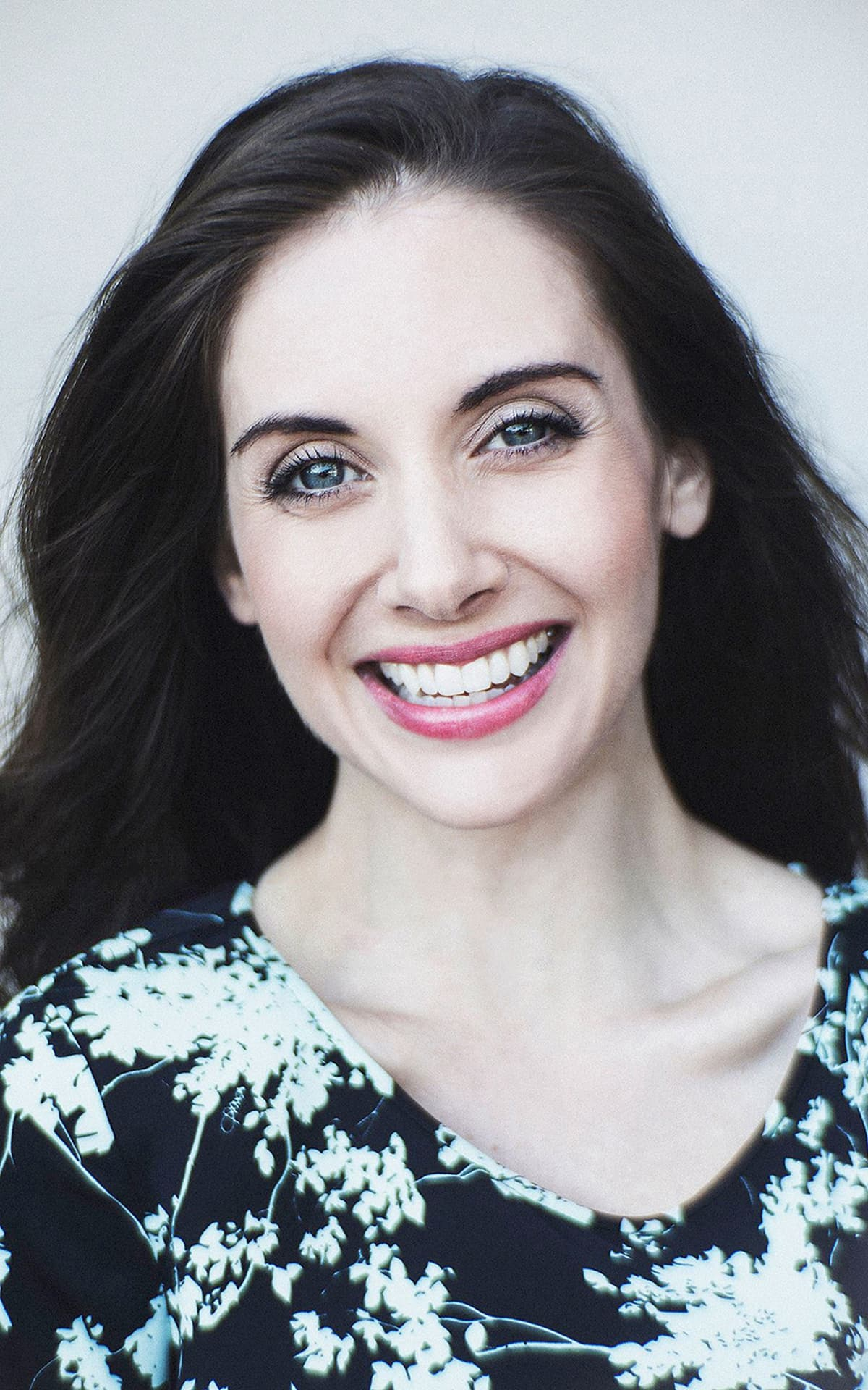 Alison Brie for Android HD photo