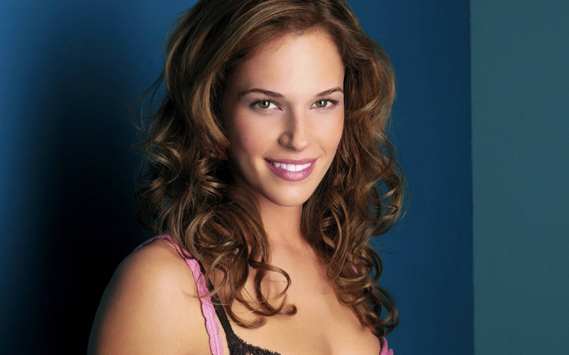 Amanda Righetti 4k wallpaper download