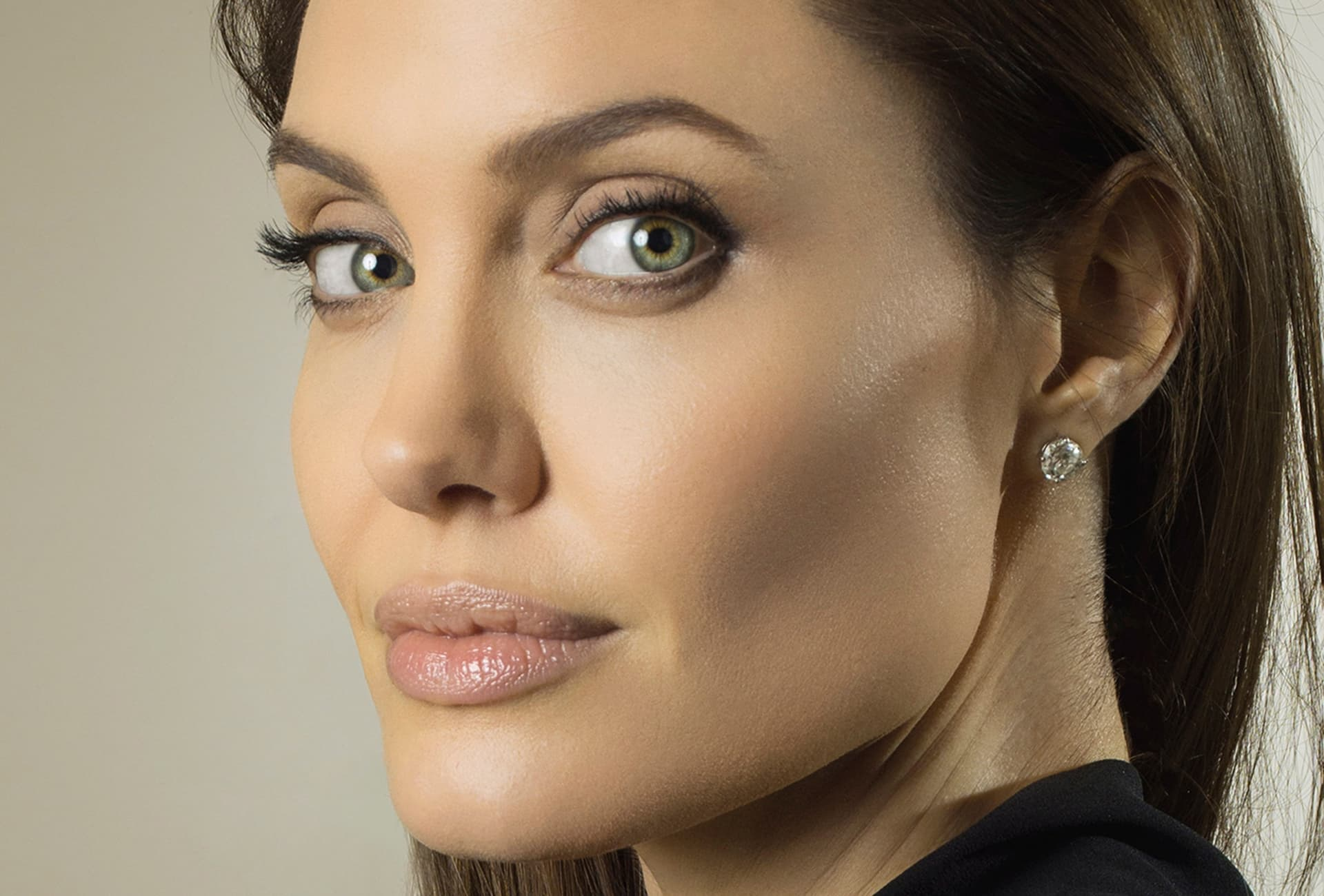 Angelina Jolie wallpapers backgrounds eyes