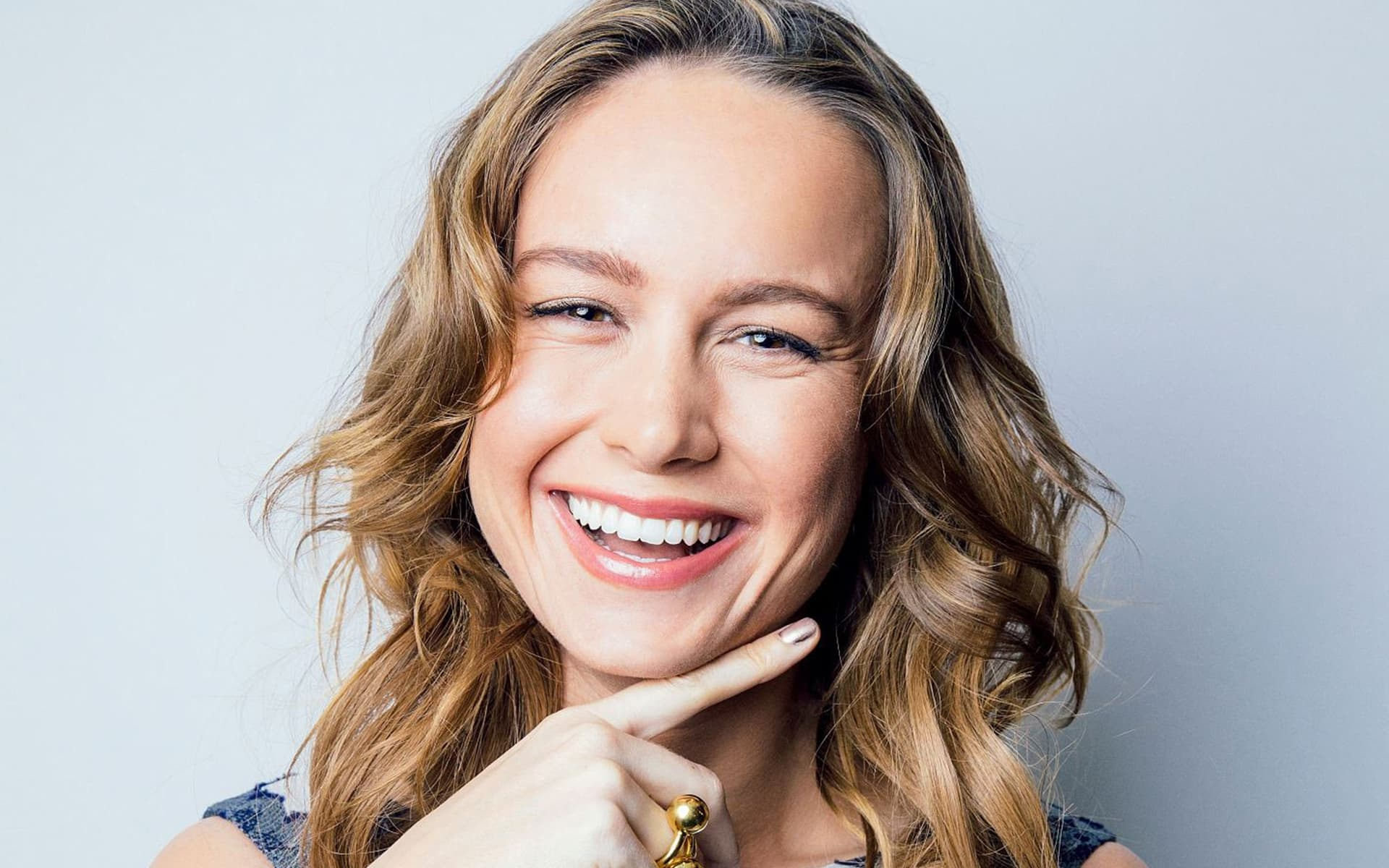 Brie Larson wallpaper photo HQ happy face