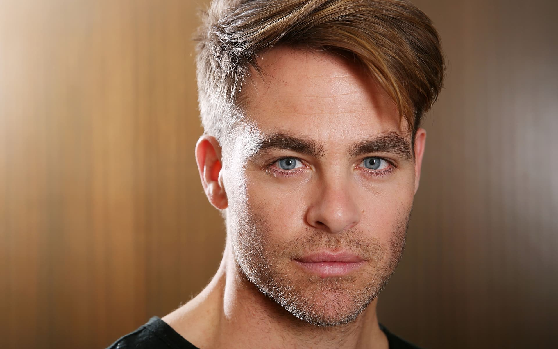 Chris Pine face HD photo download