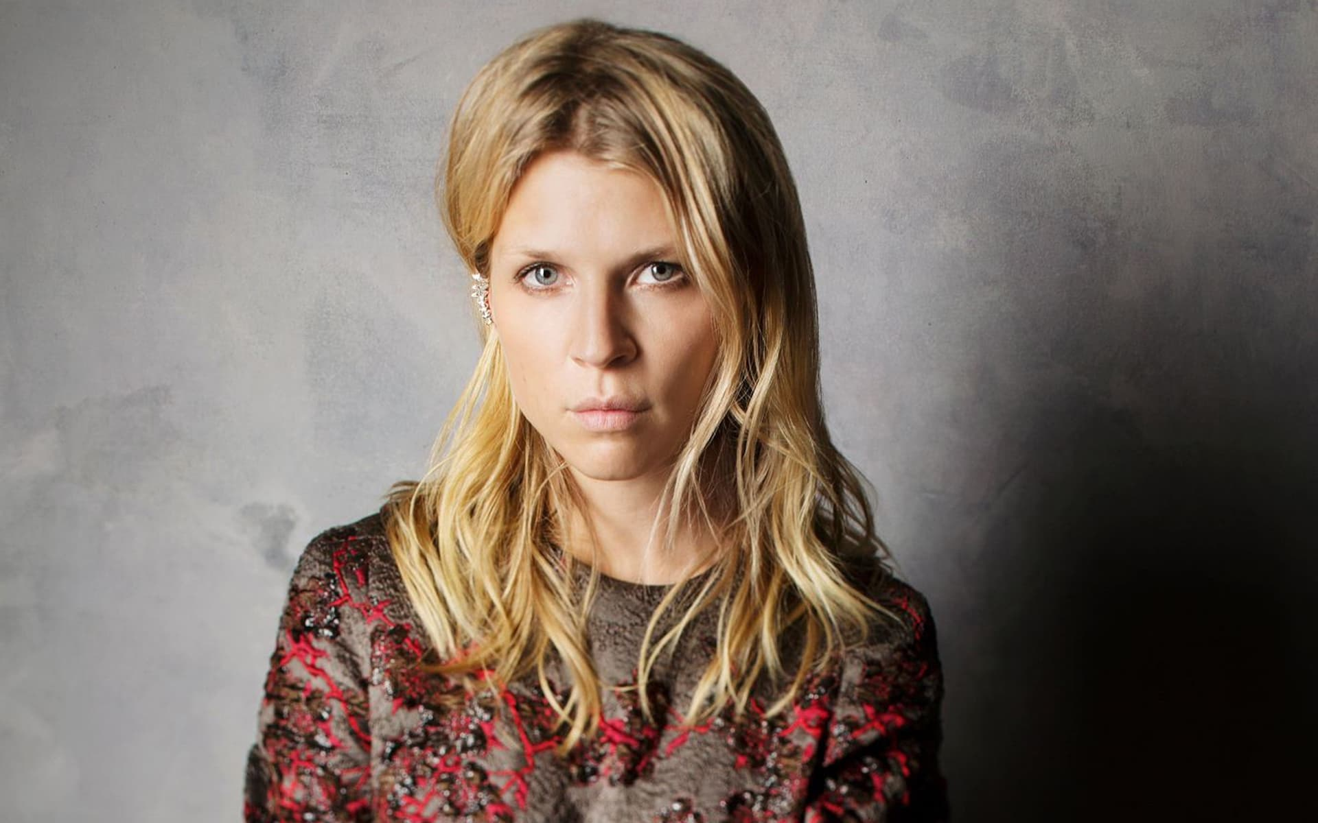 Clemence Poesy hairstyle new 2016