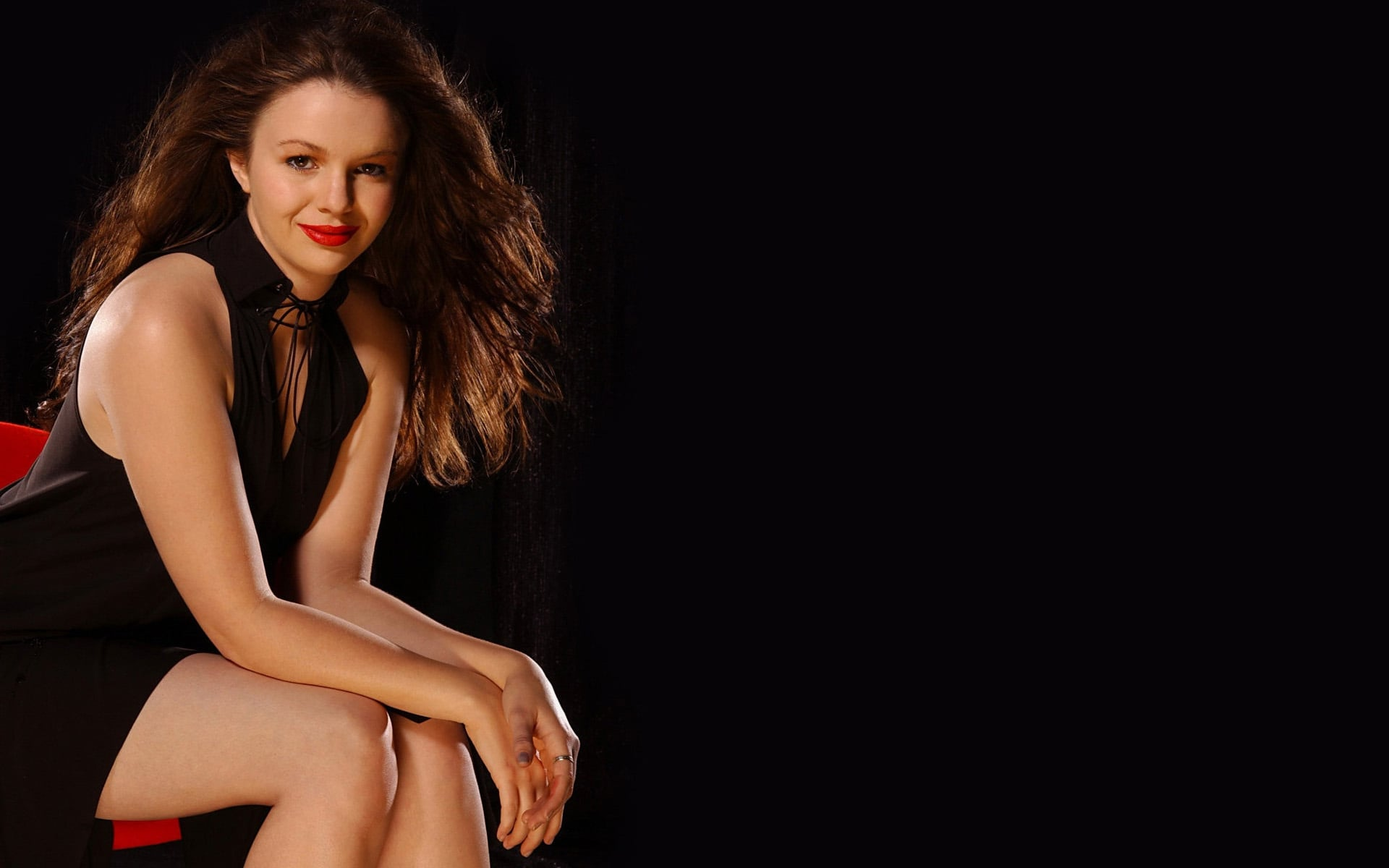 Cool Amber Tamblyn black dress HD pic for PC