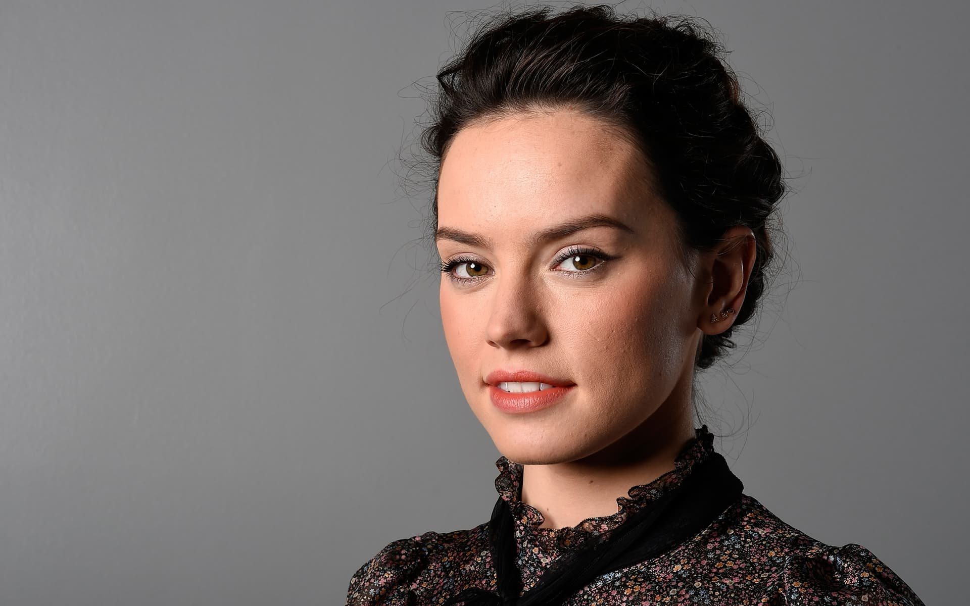 10 Daisy Ridley Wallpapers High Quality Resolution Download