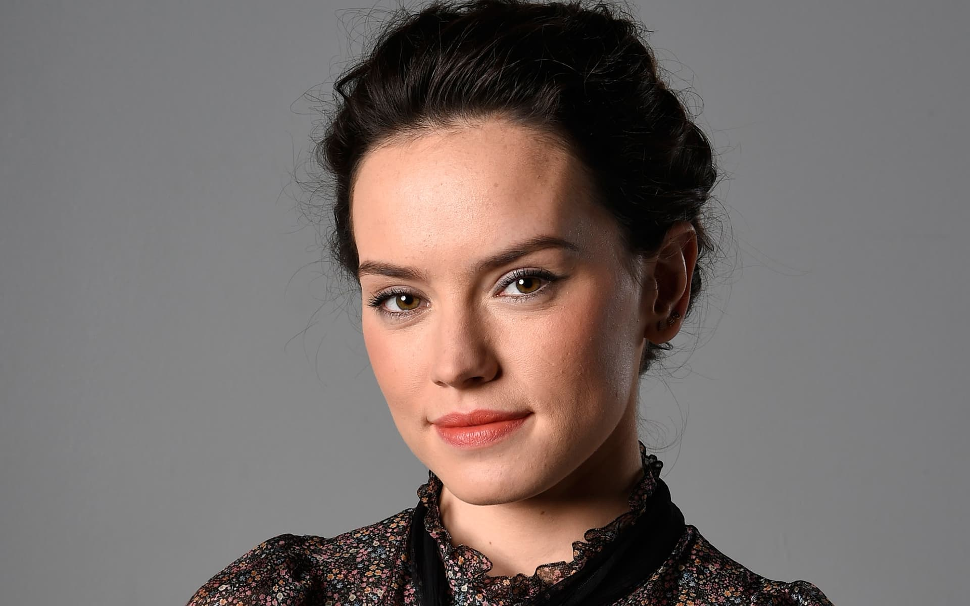 Daisy Ridley cute High Quality Wallpapers