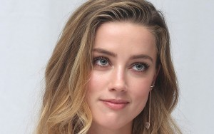 Amber Heard eyes image