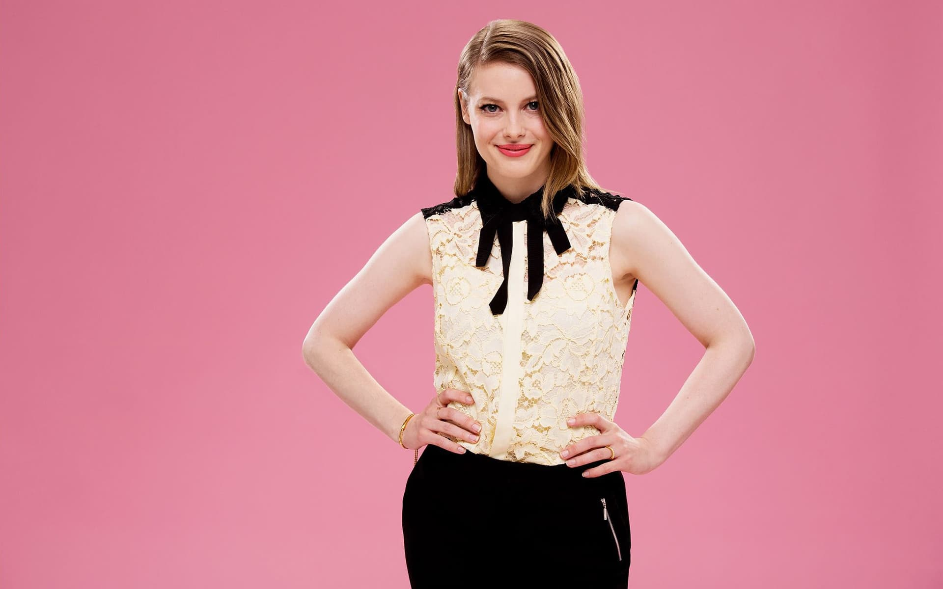 Gillian Jacobs pink background HD image