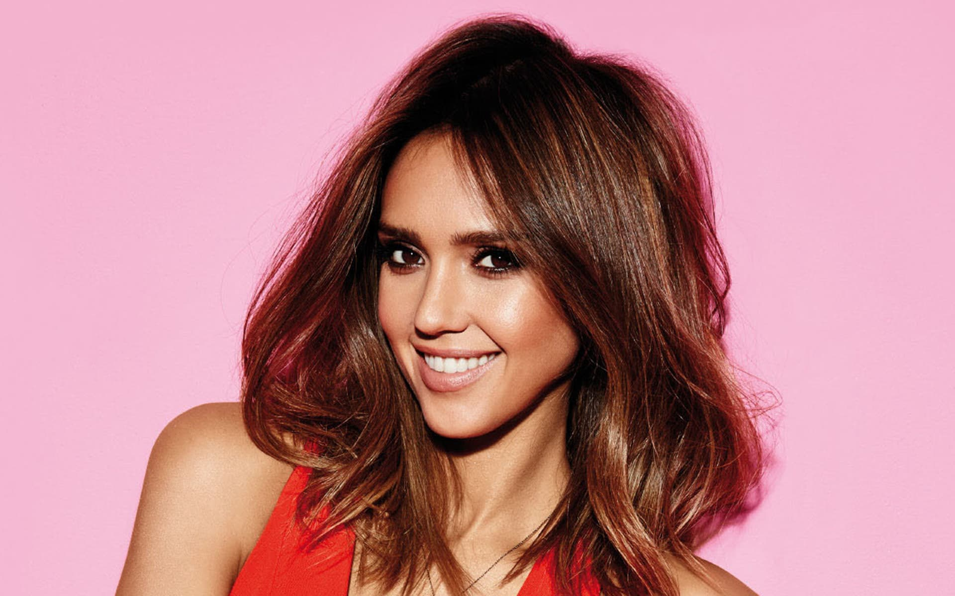 Jessica Alba smile Desktop wallpapers pink background
