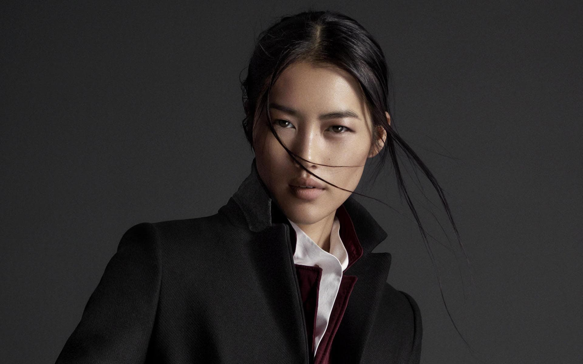 Liu Wen dark background HD images