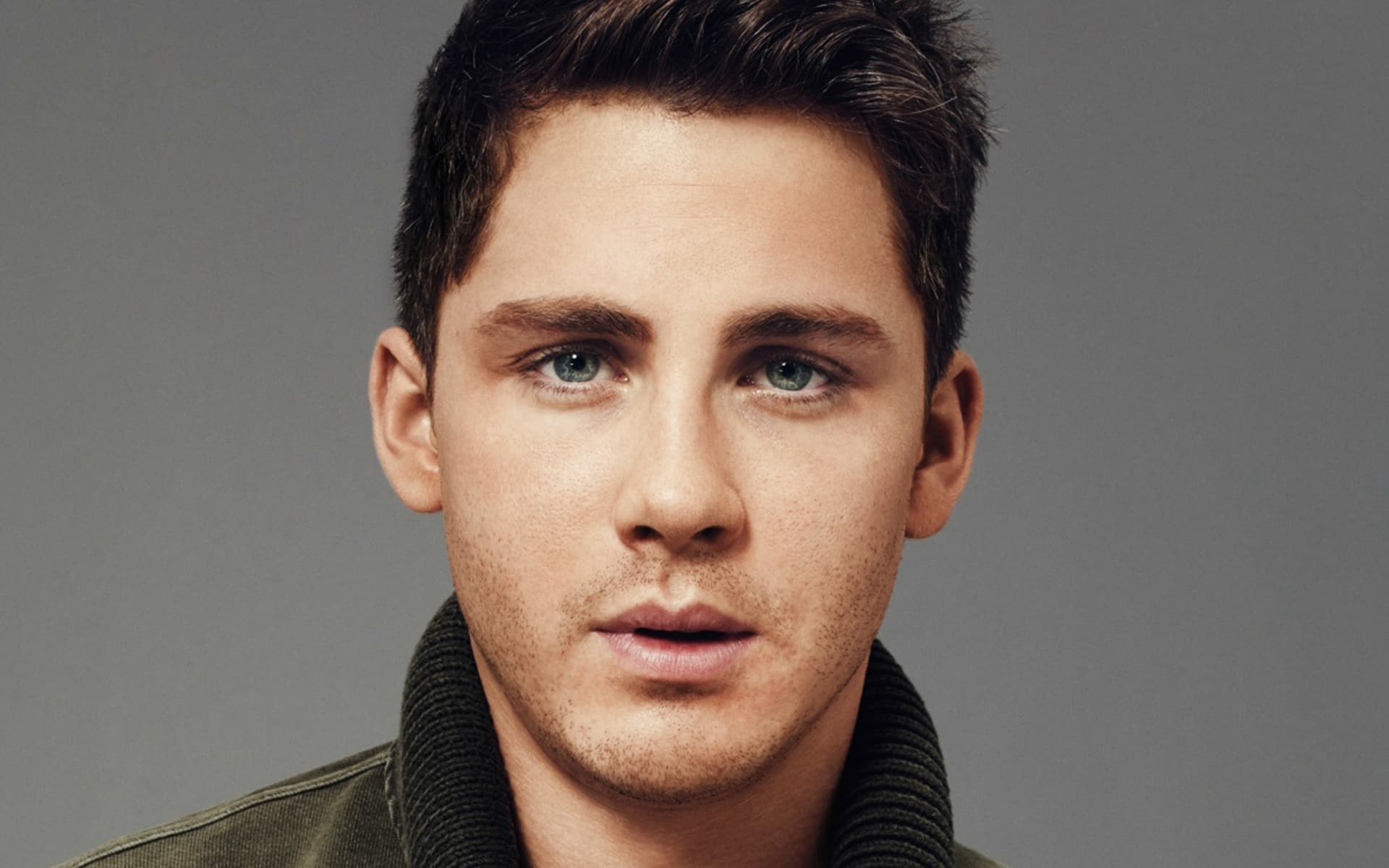 15+ Logan Lerman wallp...