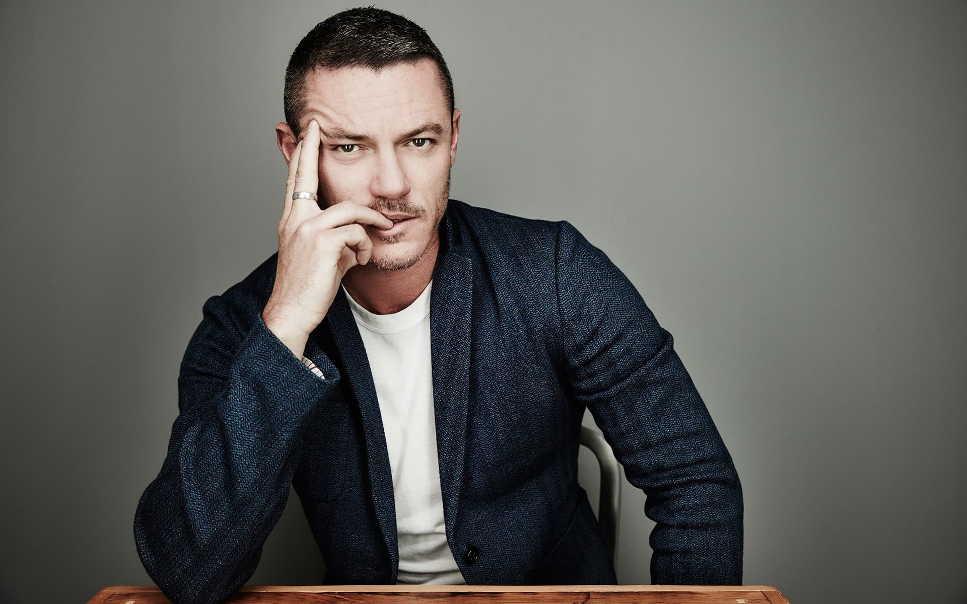 Luke Evans serious HD wallpapers for Desktop