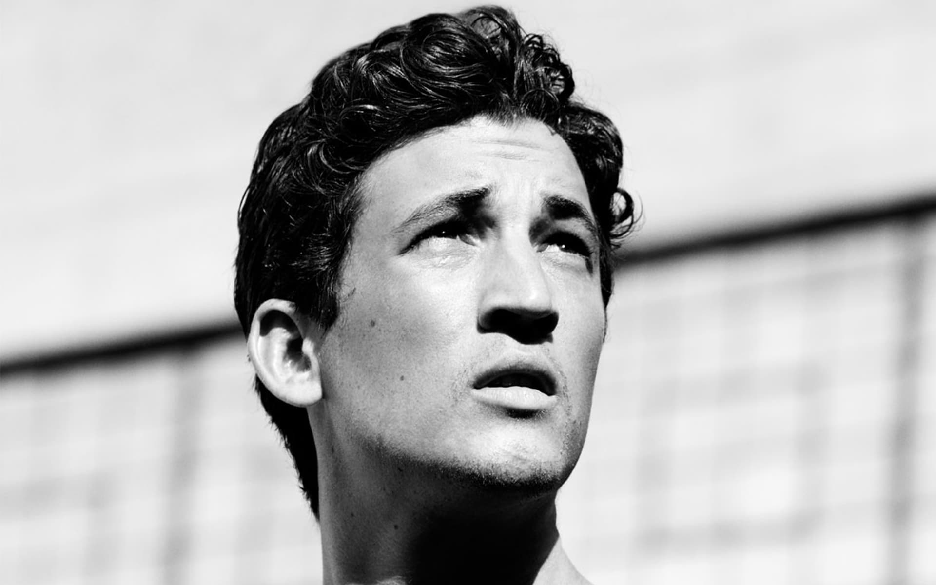 Miles Teller black and white background Wallpapers High Quality