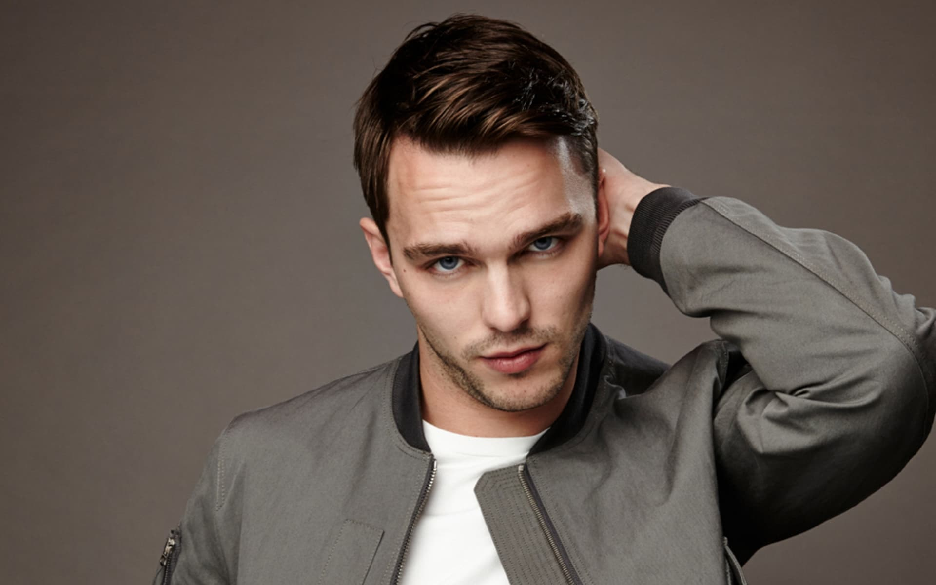 13+ Nicholas Hoult wallpapers High Quality Resolution Download