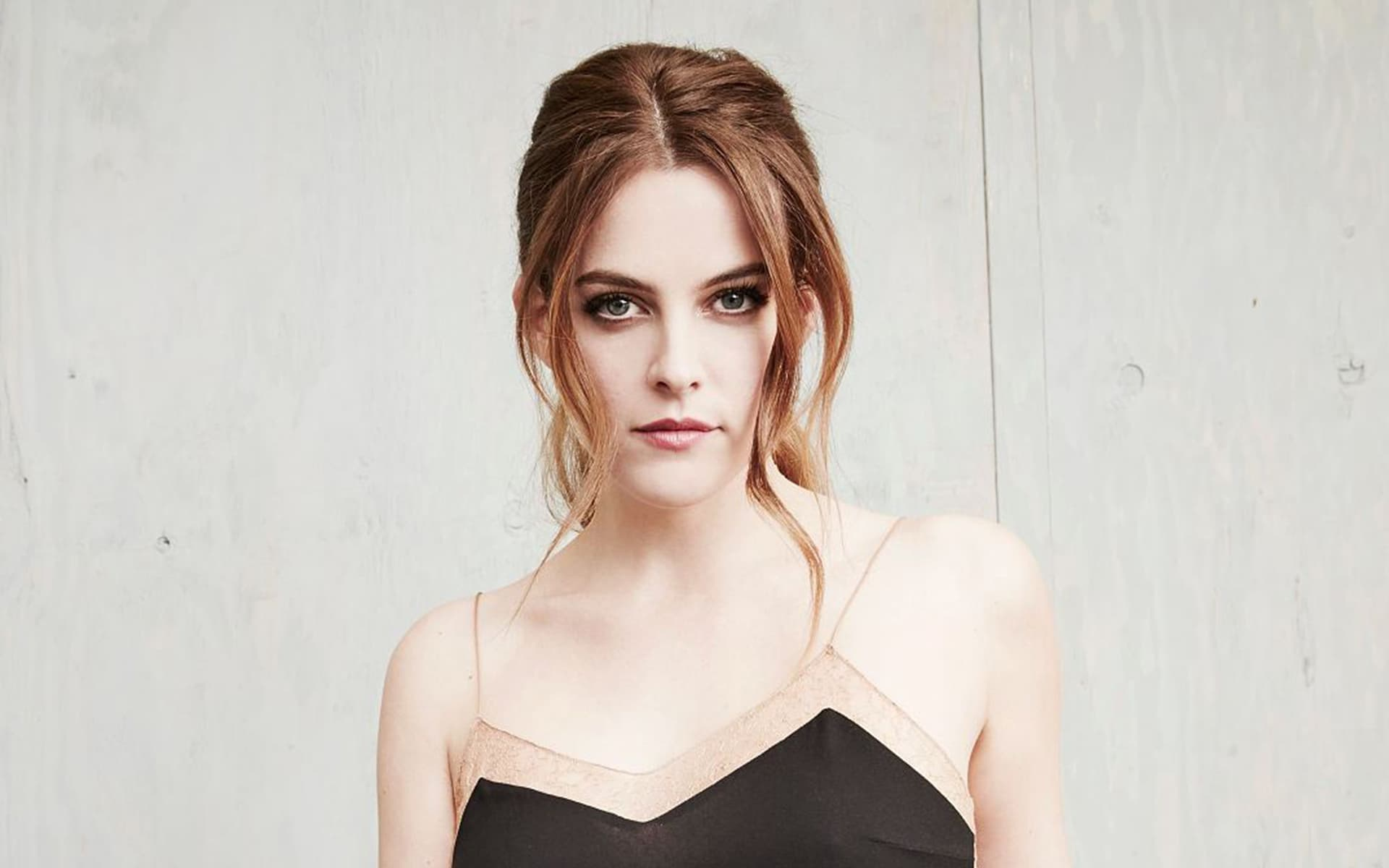 Riley Keough pretty HD wallpaper images download