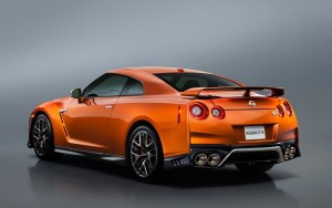 side 2017 Nissan GT-R High Definition wallpaper