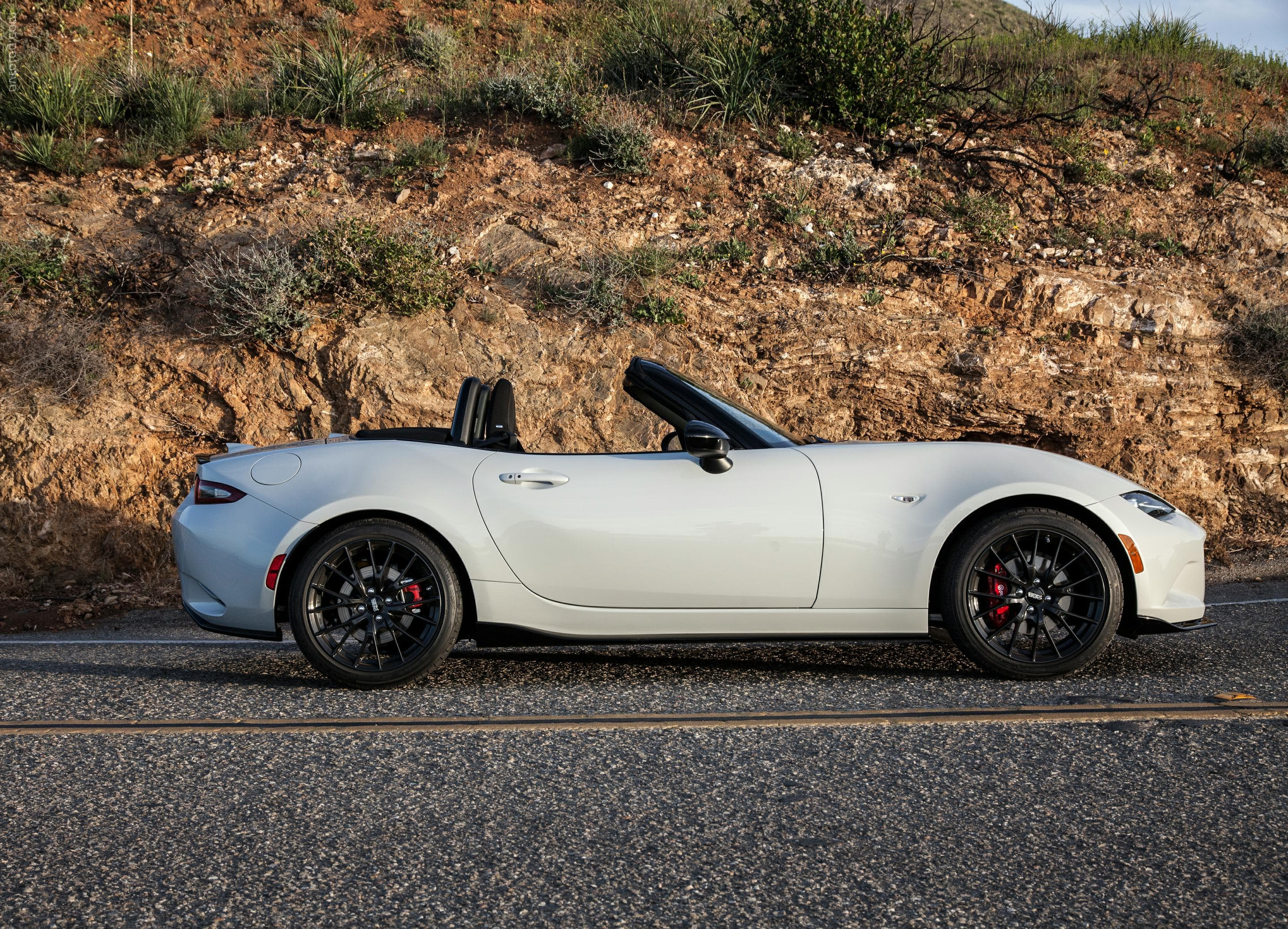 2016 Mazda MX-5 Miata side view new picture