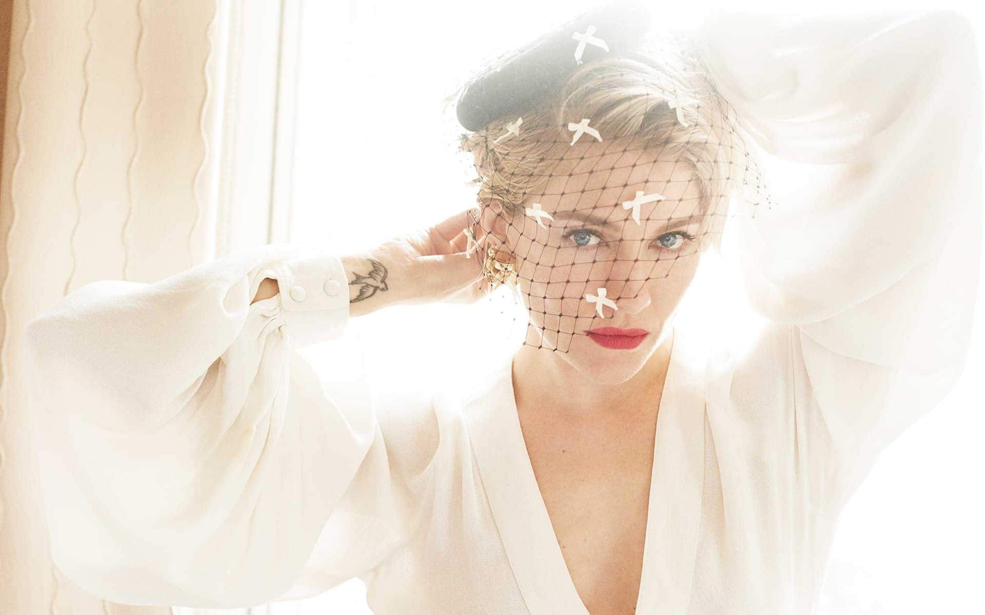 Sienna Miller nice new pictures