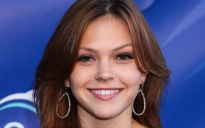 smile Aimee Teegarden themes for PC