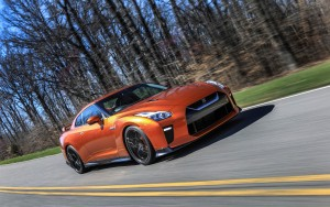 speed 2017 Nissan GT-R HD