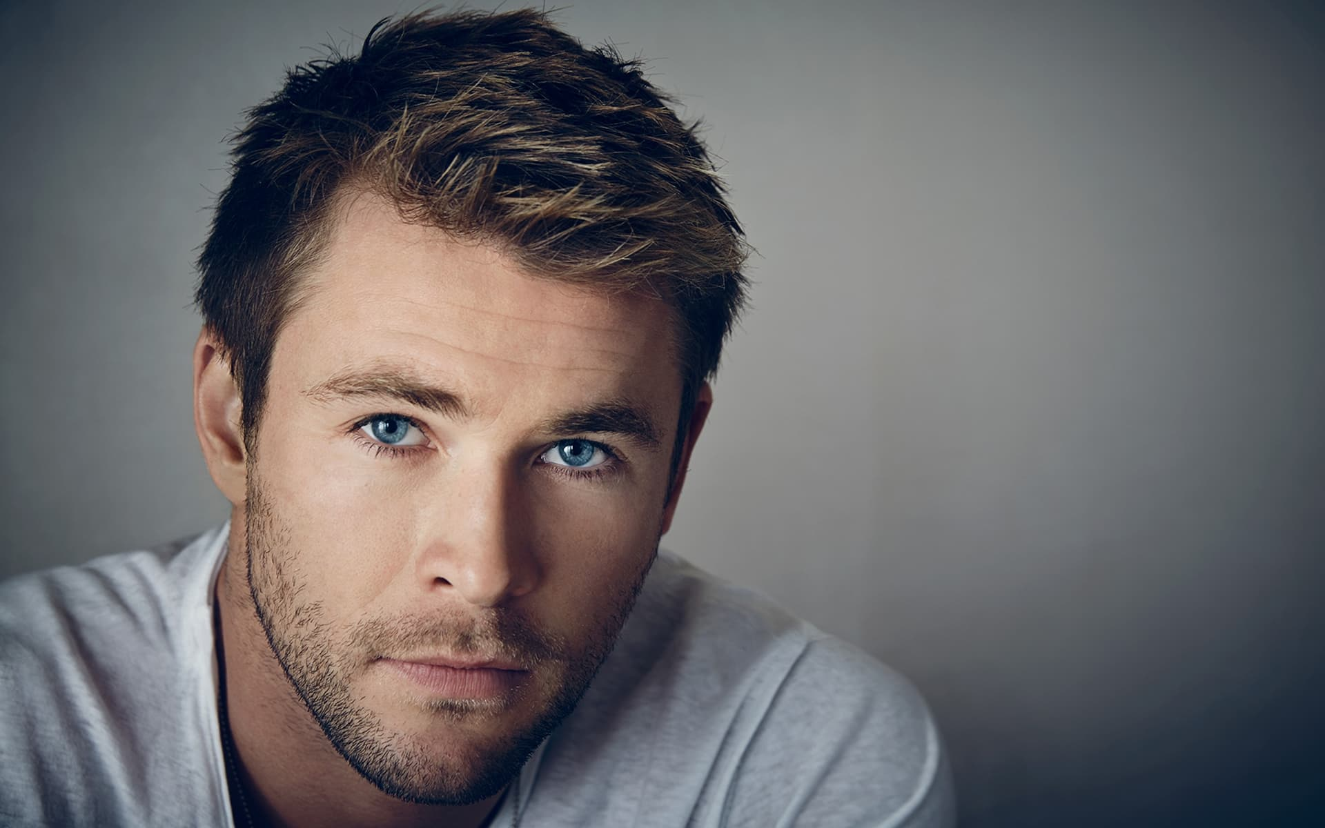 Wallpaper Chris Hemsworth blue eyes face hair 1920x1080p photo for Desktop