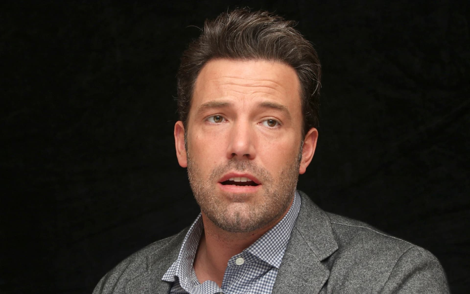 wallpapers Ben Affleck black background new 2016 picture