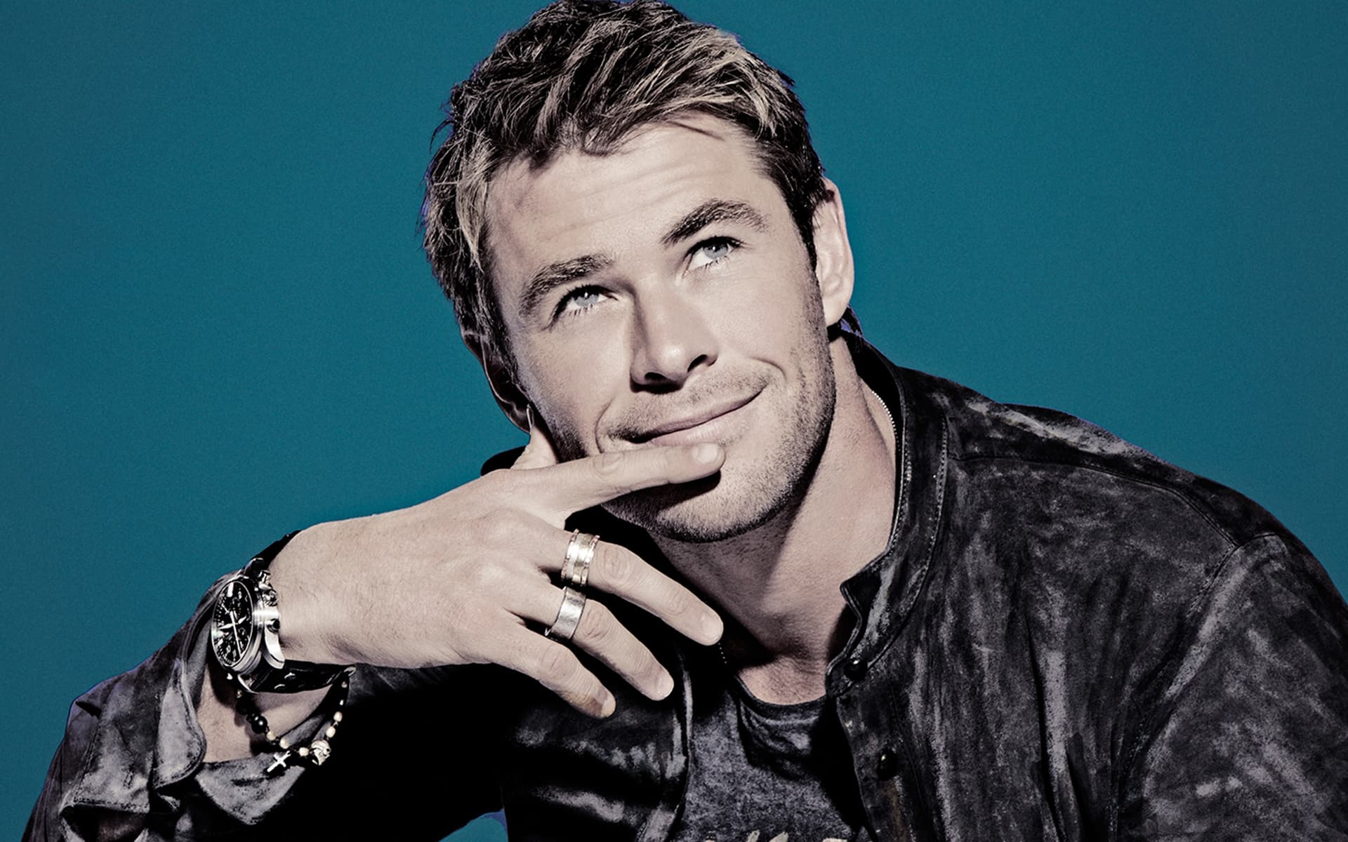 wallpapers cute Chris Hemsworth bw HD pictures