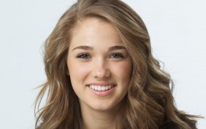 Haley Lu Richardson wallpaper