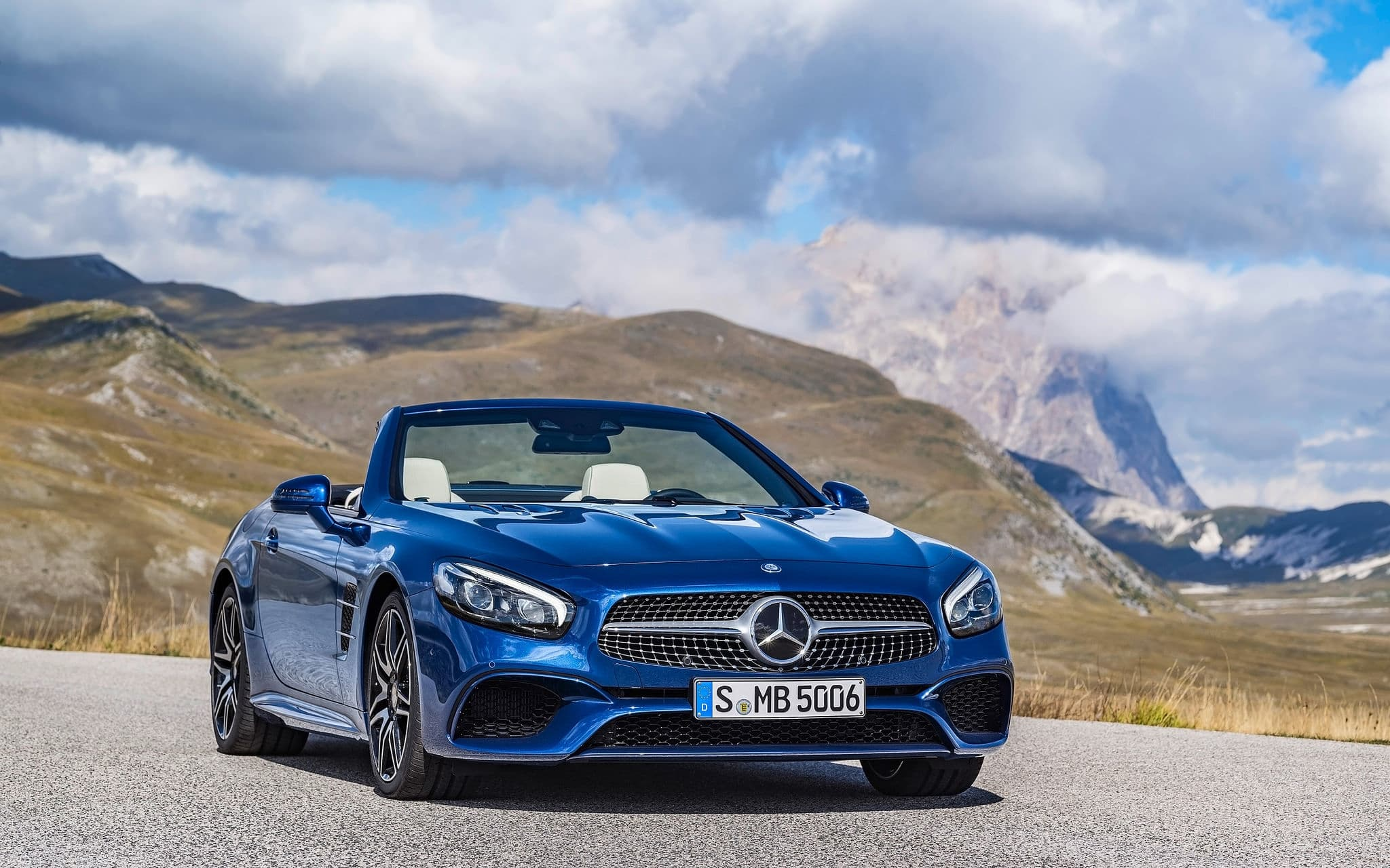 blue 2016 Mercedes Benz SL500 wallpaper