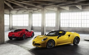 2016 Alfa Romeo 4C Spider yellow and red images