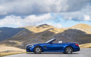 2016 Mercedes Benz SL500 picture