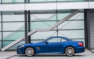 2016 Mercedes Benz SL500 profile High Resolution