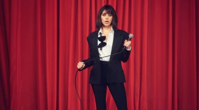 suit Aubrey Plaza Desktop Background