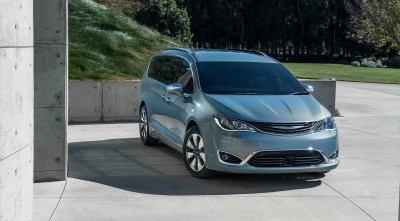 Chrysler Pacifica Minivan 2016 image HD