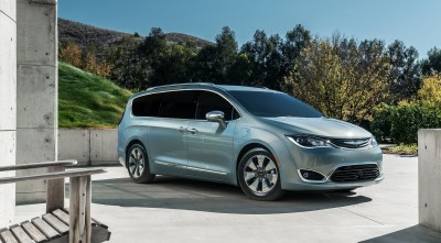 Chrysler Pacifica Minivan 2016 1080p