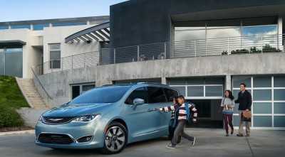 Chrysler Pacifica Minivan 2016 family