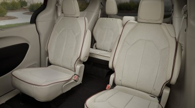 Chrysler Pacifica Minivan 2016 interior white leather