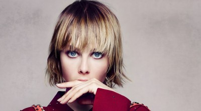 Edie Campbell hairstyle