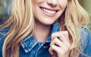smile Emma Roberts iPhone