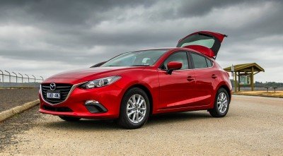 Mazda 3 2016 Hatchback red