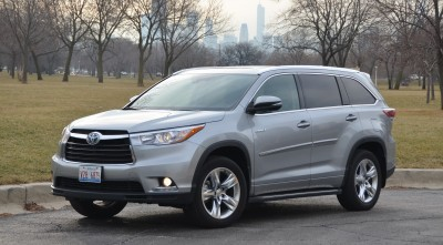 Toyota Highlander 2016 silver High Resolution wallpaper