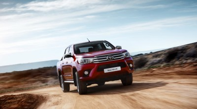 Toyota Hilux 2016 wallpapers
