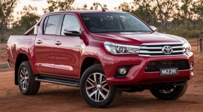 Toyota Hilux 2016 red