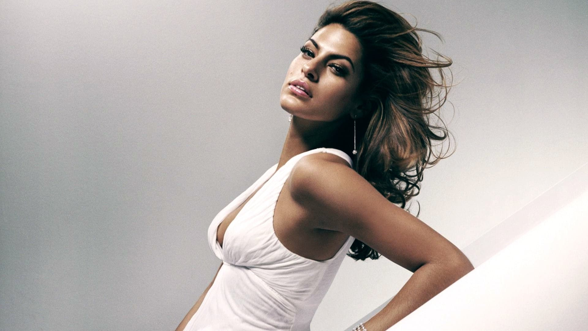 beautiful Eva Mendes HD wallpaper