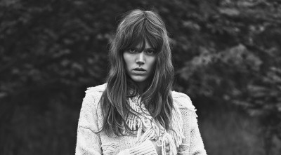 Freja Beha Erichsen Background black and white