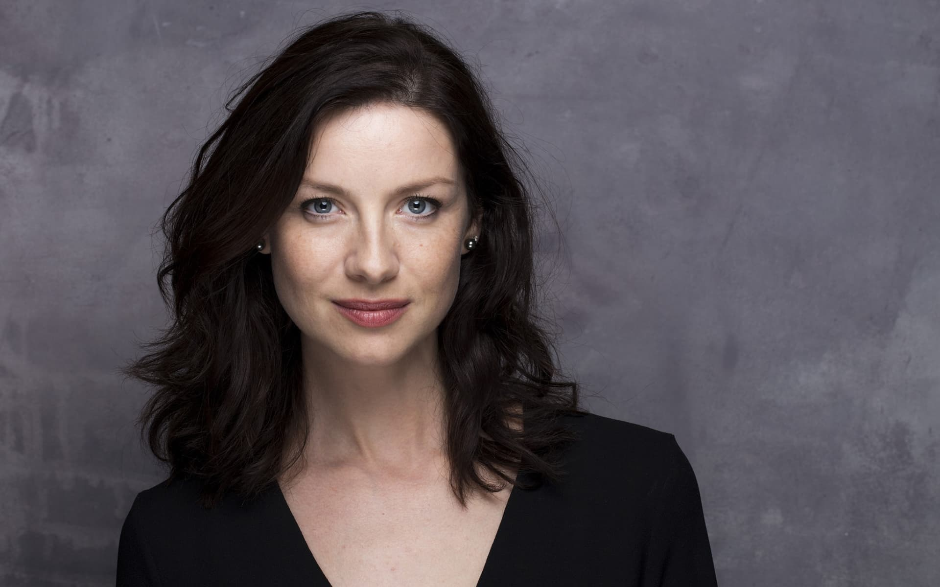 brunette Caitriona Balfe High Quality wallpaper