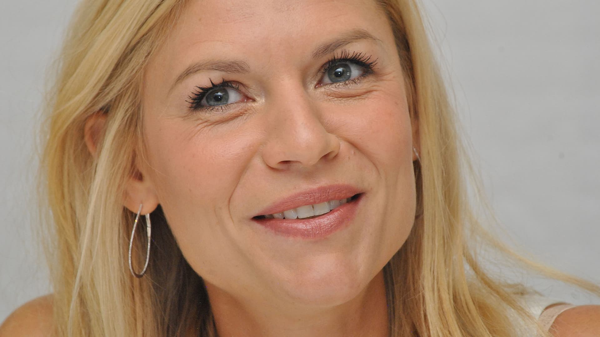 Claire Danes smile High Quality