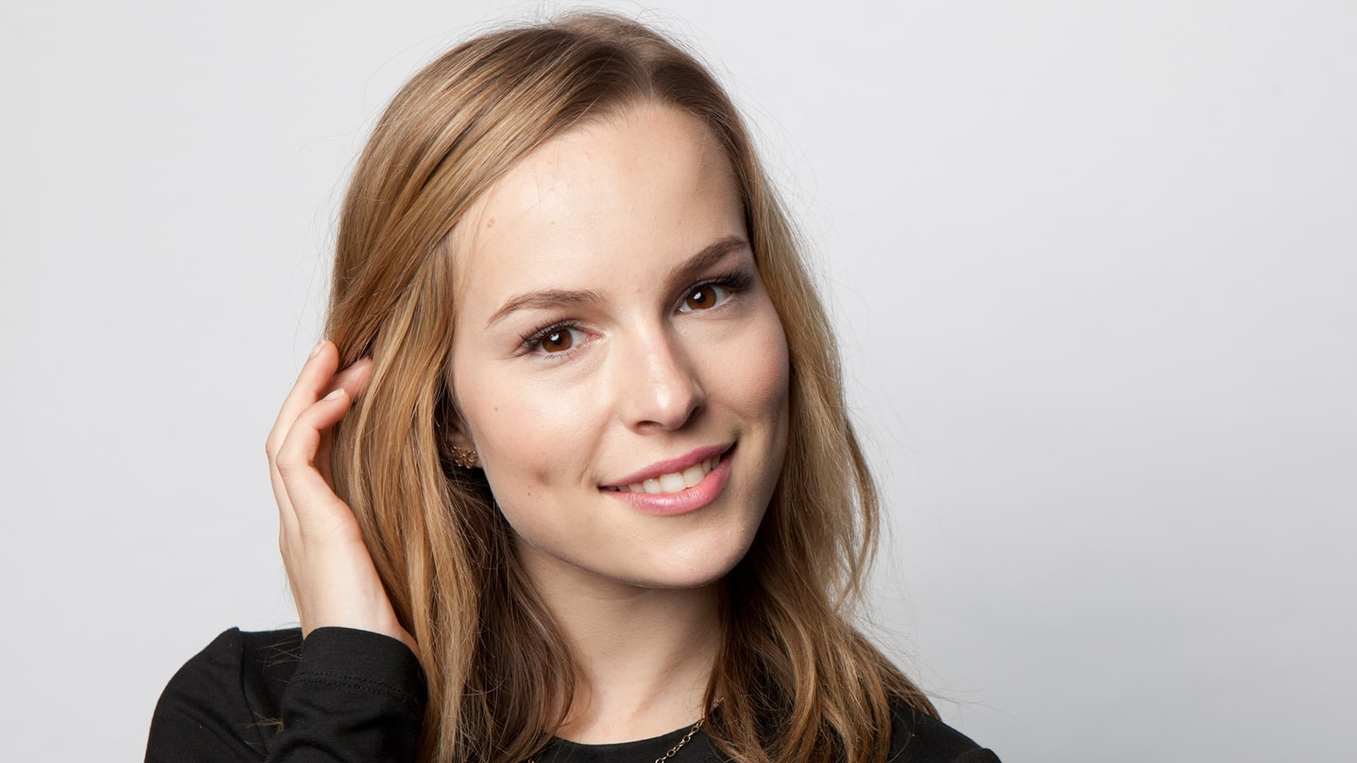 Who is bridgit mendler dating now 10