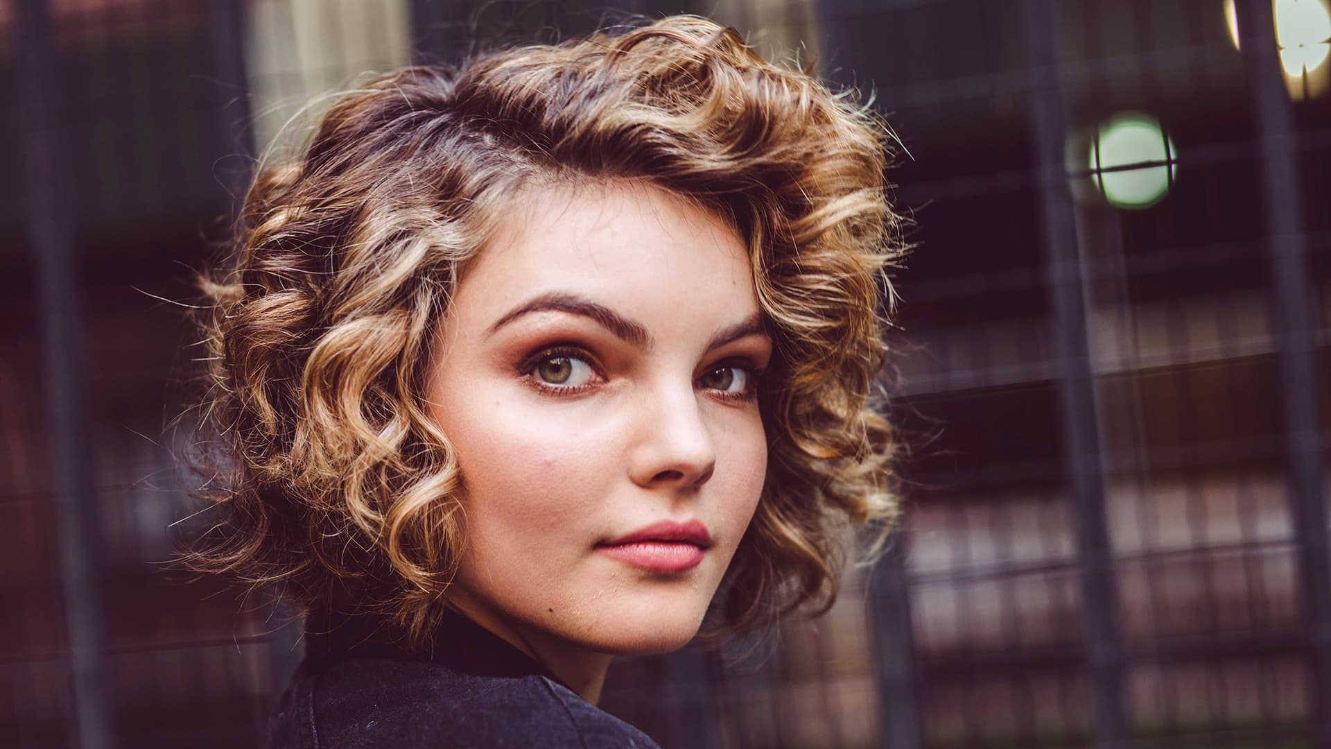 cute Camren Bicondova High Quality wallpaper